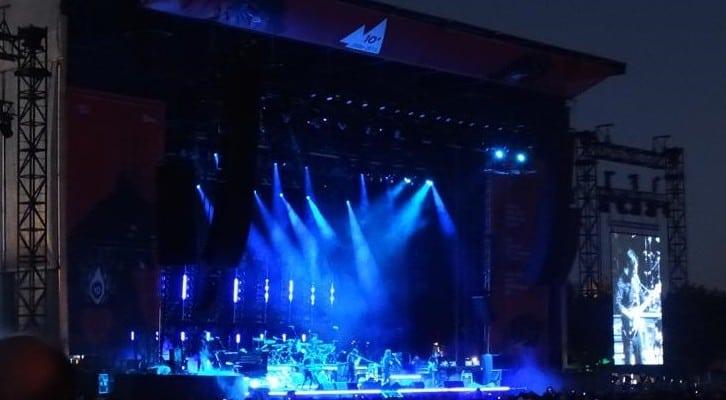 Audiovisuales Extremiana Bilbao BBK Live 2015 pantallas, led, sonido, iluminacion